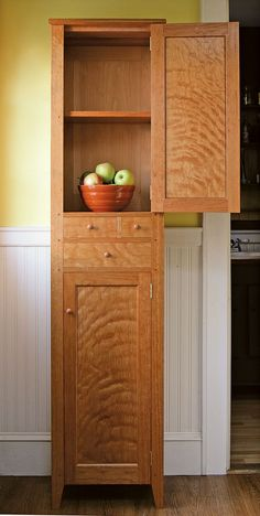 Shaker Chimney Cupboard - Fine Woodworking Magazine