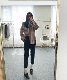 Ideas for moda coreana korean style 2019 casual korean Korean Fashion Trends, Korean Street Fashion, Korea Fashion, Asian Fashion, Look Fashion, Ulzzang Fashion, Hijab Fashion, Fashion Outfits, Ulzzang Style