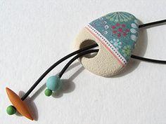 Elegant pendant in soft colour scheme..