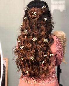 Elegant Hairstyles for Long Hairs Tucked Chignon. Loose and Lovely Bridal Updo. Soft, Curled Locks for Medium Hair. Twisted and Curled Low Chignon. Quick and Easy Side swept Curls Open Hairstyles, Sporty Hairstyles, Elegant Hairstyles, Bride Hairstyles, Hairstyle Ideas, Trending Hairstyles, Fairy Hairstyles, Creative Hairstyles, Updo Hairstyle