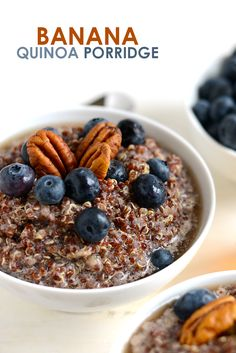 Mix up your breakfast and make this delicious banana quinoa porridge for a vegan, gluten-free option that will keep you full all morning! All clean eating ingredients are used for this healthy breakfast recipe. Quinoa Breakfast Bowl, Healthy Breakfast Smoothies, Healthy Breakfast Recipes, Free Breakfast, Healthy Food, Banana Quinoa Porridge, Quinoa Oatmeal, Bowls, High Protein Recipes