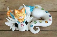 Orange Kitty and Dragon Sculpture by Dragonsandbeasties Tap the link for an awesome selection cat and kitten products for your feline companion! Fimo Kawaii, Polymer Clay Kawaii, Polymer Clay Dragon, Polymer Clay Figures, Polymer Clay Sculptures, Polymer Clay Animals, Polymer Clay Miniatures, Polymer Clay Projects, Polymer Clay Creations