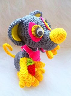 Crocheting: Crochet amigurumi mouse