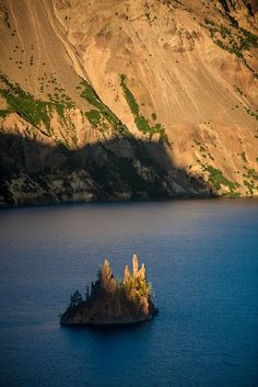 Crater Lake the deepest lake in the U. Oh The Places You'll Go, Places To Visit, Oregon Lakes, Sup Yoga, Road Trip Adventure, America And Canada, Crater Lake, Oregon Travel, State Parks