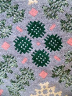 welsh tapestry pattern -  Correction. This has been woven. With an loom.