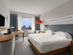 Brand new rooms with WiFi access and a view of the city through large opening windows are a staple for any guest staying at the Hilton Rotterdam Hotel.