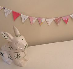 maker*land.: How to make bunting out of old greeting cards