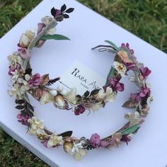 Floral Hair, Hair Pieces, Diy And Crafts, Floral Wreath, Wreaths, Bride, Wedding, Multimedia, Pregnancy