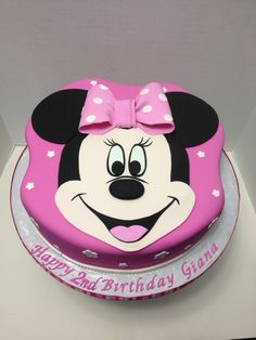 Minnie Mouse cake Minnie Mouse Cake, Birthday Cake, Cakes, Desserts, Food, Tailgate Desserts, Deserts, Cake Makers, Birthday Cakes