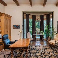 Mediterranean Bel Air Mansion with Modern Art. Luxury California ...