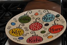 Some great ideas and inspiration for painting Christmas gifts at… Christmas Plates, Simple Christmas, Christmas Holidays, Christmas Decorations, Christmas Ornaments, Santa Plates, Christmas Ideas, Sharpie Plates, Sharpie Crafts