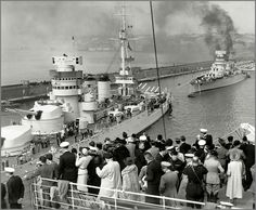 """apostlesofmercy: """" The Italian battleships Conte di Cavour and Giulio Cesare at Napoli, 1938. On 9 July 1940 these two battleships and their escorts met with a small British fleet under the command of Admiral Cunningham. The ensuing engagement became..."""