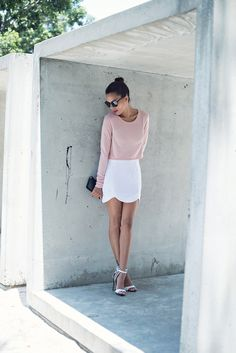 50 Minimalist Outfits to Help You Look Impossibly Chic AllSummer   StyleCaster