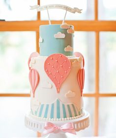If you love cake decorating, sugar arts or frosting techniques, you'll love our I Heart Cake Decorating page. We are dedicated to bringing cake decorators around the world helpful tips, techniques, facts and, above all, friendship. Welcome to our community of fellow cake artists! To learn about our online classes, click: http://j.mp/14696Lp