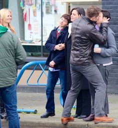 I love Emma and Regina's reactions to the kiss, lol!!