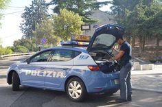 Topo d'auto arrestato dalla Polizia, beccato in flagranza di reato - Incensurato arrestato per furto di auto, i complici al momento in fuga  - http://www.ilcirotano.it/2017/08/20/topo-dauto-arrestato-dalla-polizia-beccato-in-flagranza-di-reato/