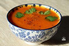 Krem dyniowo-marchewkowy jest pożywną i pyszną zupą dla każdego, nie tylko dla osób na diecie dr Dąbrowskiej. Oprócz tego jest łatwy do przygotowania! Polish Recipes, Thai Red Curry, Catering, Healthy Recipes, Vegan, Fruit, Ethnic Recipes, Food, Catering Business