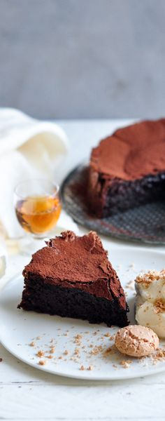 Sunken Chocolate Amaretto Cake