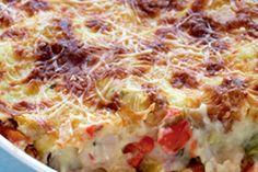 pastitsio me lahanika ke kota Food Network Recipes, Cooking Recipes, The Kitchen Food Network, Greek Recipes, Hawaiian Pizza, Food Dishes, Lasagna, Quiche, Feta