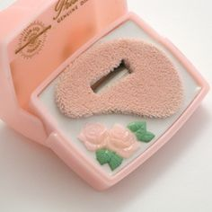 Little pink roses ring box
