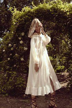 Robe épaules dénudées en soie ivoire Sleeper