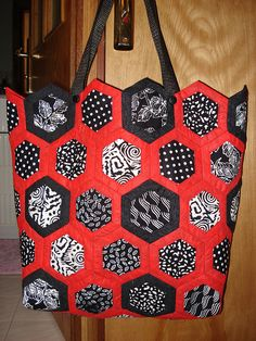 Sac de plage en hexagones 2 | Flickr - Photo Sharing! Who woulda thought hexagons for a bag!