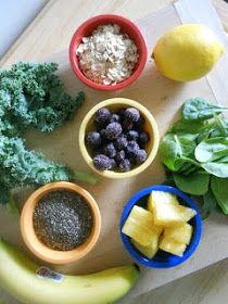 Smoothie Packs for the Freezer - Oatmeal, chia seeds, spinach, kale, lemon juice, fruit
