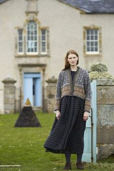 SHETLAND is a collection of 12 Fair Isle handknit designs for women by Marie Wallin using Jamieson's of Shetland Spindrift Punto Fair Isle, Fair Isle Pullover, Black And White Outfit, Pull Jacquard, Country Fashion, Fair Isle Knitting, English Style, Modest Outfits, Modest Clothing