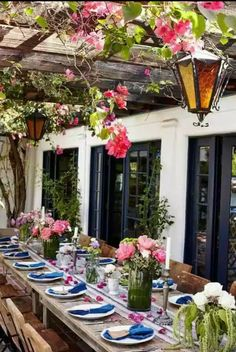 Check Out 21 Outdoor Dining Rooms Design Ideas To Try Everyday. Outdoor dining is great option if you have backyard. Outdoor Rooms, Outdoor Dining, Outdoor Gardens, Outdoor Decor, Patio Dining, Dining Table, Plum Pretty Sugar, Deck With Pergola, Pergola Kits