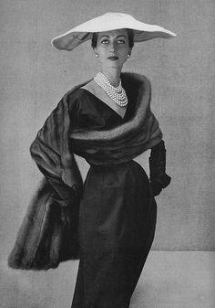 Della Oake, September Vogue 1951