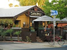 Muzita Abyssynian Bistro: East African Cuisine. Great family restaurant in University Heights, San Diego.