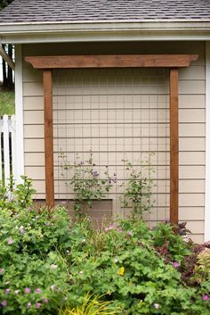 DIY Garden Trellis out of pressure treated wood and cattle fencing. DIY Garden Trellis out of pressu Clematis Trellis, Wire Trellis, Arbors Trellis, Plant Trellis, Patio Trellis, Privacy Trellis, Flower Trellis, Cattle Panel Trellis, Wisteria Trellis