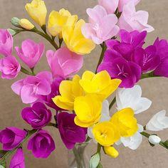 Frezia #paperflowers #papercraft #paperart #spring #frezia #crepepaperflower #crepepaper #paperbouqet #gift #paperblooms #crepepaperblooms #handmadeflowers #decoration #handbouquet #flowerstagram #flowerslovers