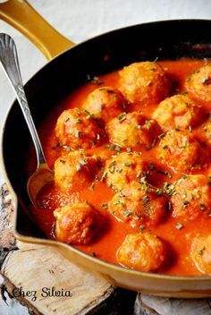 Chickpea and quinoa meatballs.- CHEZ SILVIA: Chickpea and quinoa meatballs. Veggie Recipes, Mexican Food Recipes, Real Food Recipes, Dinner Recipes, Cooking Recipes, Vegan Vegetarian, Vegetarian Recipes, Healthy Recipes, Kebabs