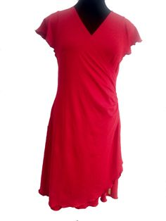 The woman in red, pris kr. 1000,-. Perfect for tango, summer, active living