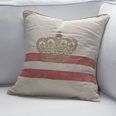 I want this pillow... found it on a great regal decor blog - http://thegoodlifebyerin.blogspot.ca/2008/12/shabby-chic.html