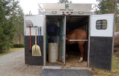 Easy to make portable water tank for horse trailer