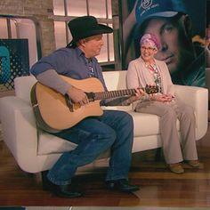 Garth Brooks Talks Comeback on ET: