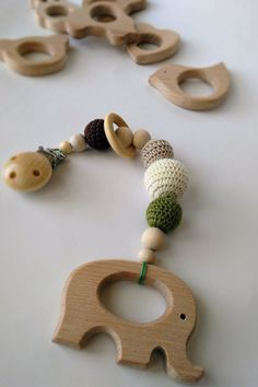 Crochet baby pram elepfant mobile/stroller hanger/crochet teething toy/green brown gray/baby shower gift/pram decor/wooden elepfant