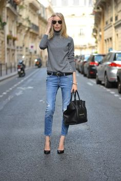 Fall fashion | Grey turtleneck, jeans, black heels and a matching handbag