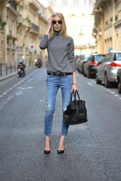 Fall fashion | Grey turtleneck, jeans, black heels and a matching handbag