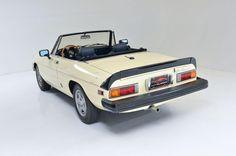 carsinstudio: 1982 Alfa Romeo Spider Veloce...   趣味のお話