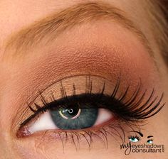 MAC eyeshadows used: Patina (on lid, below crease), Rule (crease), Swiss Chocolate (layer over Rule), Blanc Type (blend)