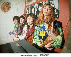 THE FOOL Dutch design collective at their studio in the Beatles Apple Building in Baker Street in 1967. Photo Tony - Stock Photo