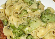 Egg Noodle Side Dish, Egg Noodle Dishes, Egg Noodle Casserole, Egg Noodle Recipes, Broccoli Recipes, Veggie Recipes, Casserole Recipes, Food Dishes, Real Food Recipes