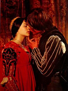 There's your Juliet costume :) This was the inspiration for that one.  It always reminds me of that picture of you & Kelly.  Sweet memories.  Zeffirelli's Romeo and Juliet (1968)