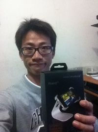 Just Mobile Xtand 手機置放架,得標價格3元,最後贏家陽光宅爸:太開心了..只用了1標就得到..感謝各位手下留情^^