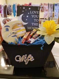 Birthday Gift Baskets, Birthday Gifts, Container, Cake, Ideas, Food, Birthday Presents, Mudpie, Meals
