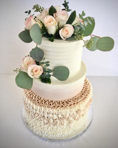 Wedding Cake Photos, Wedding Cakes, Macarons, Bolo Musical, Lolly Cake, White Cakes, Classic Cake, Rose Cake, Beautiful Models