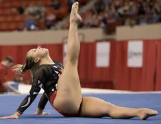 Sierra Hassel's sexy bare feet and legs Gymnastics World, Gymnastics Poses, Gymnastics Photography, Gymnastics Pictures, Sport Gymnastics, Artistic Gymnastics, Olympic Gymnastics, Sporty Girls, Gym Girls